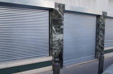 Comment réparer un rideau métallique
